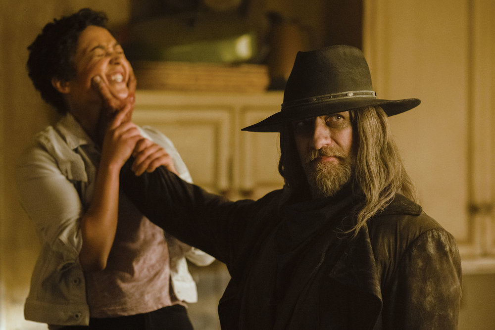 Ruth Negga as Tulip O'Hare, Graham McTavish as The Saint of Killers - Preacher _ Season 2, Episode 12 - Photo Credit: Alfonso Bresciani/AMC/Sony Pictures Television