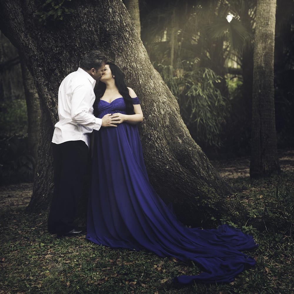 A Lovers Kiss - Jacksonville Fine Art Maternity