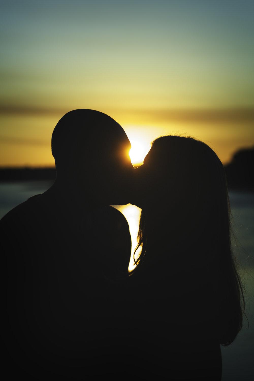 Kiss Gogo.jpg