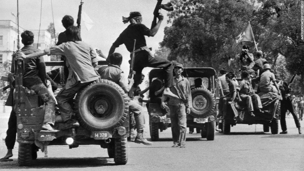 Khmer Rouge rolling into Phnom Penh