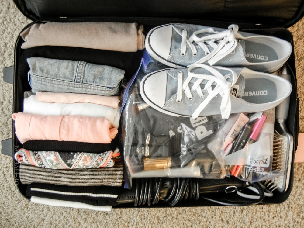 How to Pack a Week of Clothes in a Carry-on — HOUSE OF FIVE