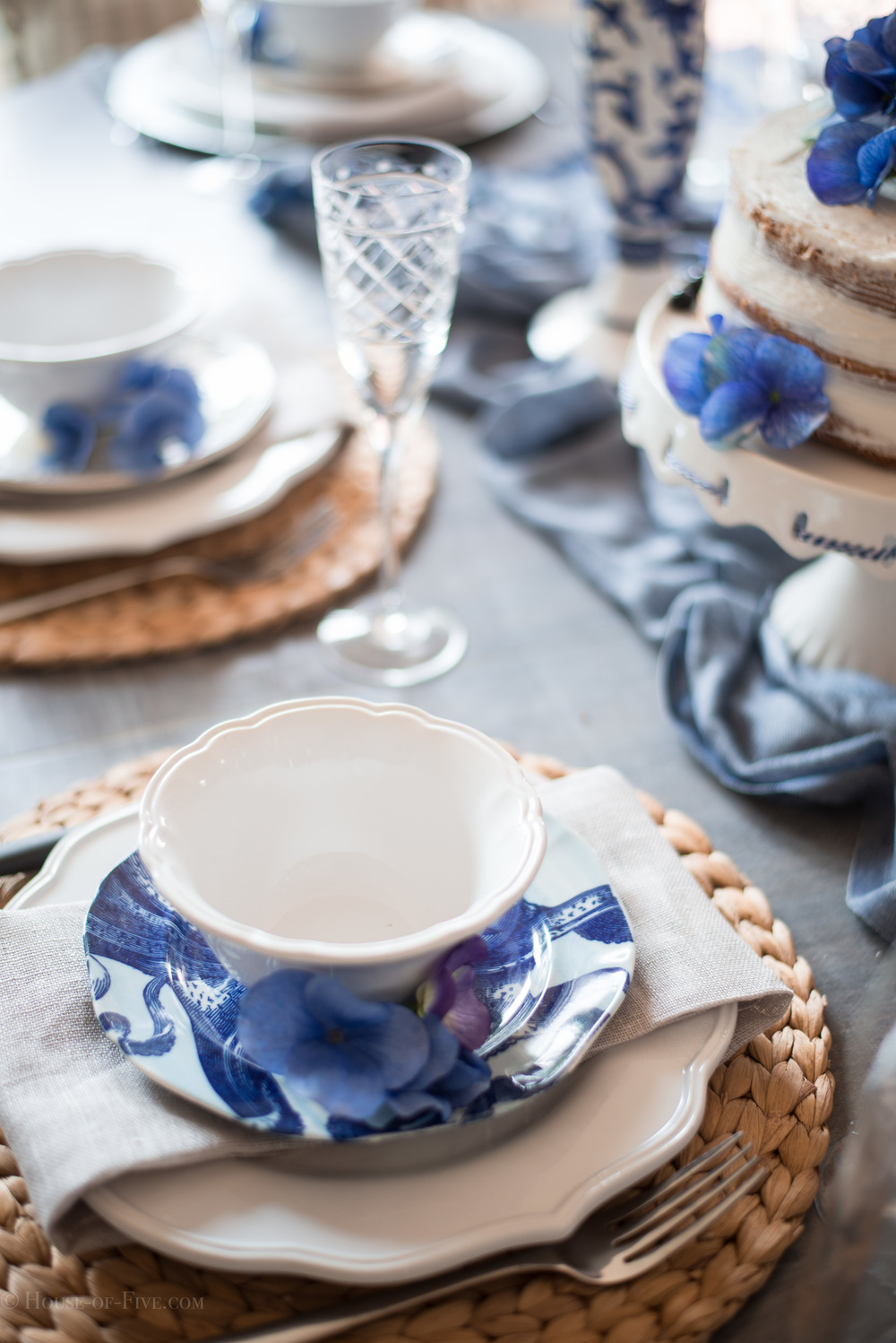 Blue and White Mothers Day Table Design