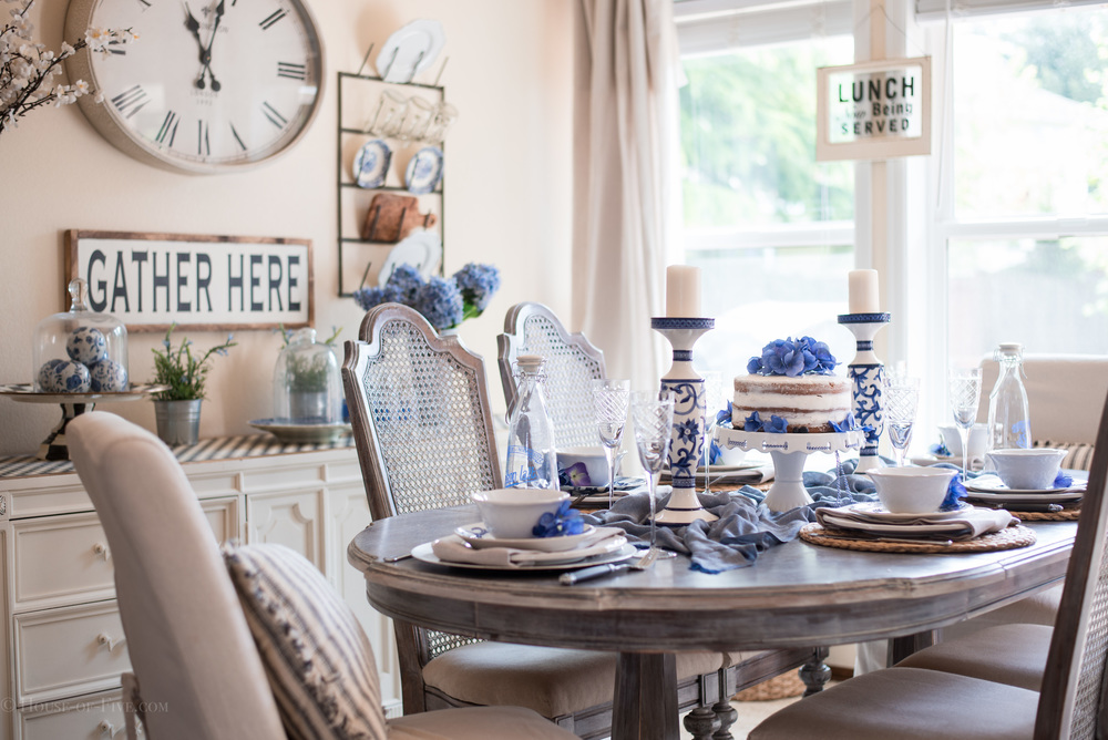 Blue and White farmhouse style dining room
