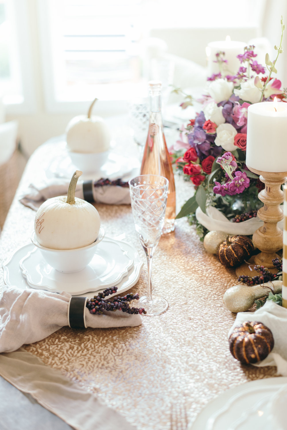Fancy fall dining table with white glittered pumpkins