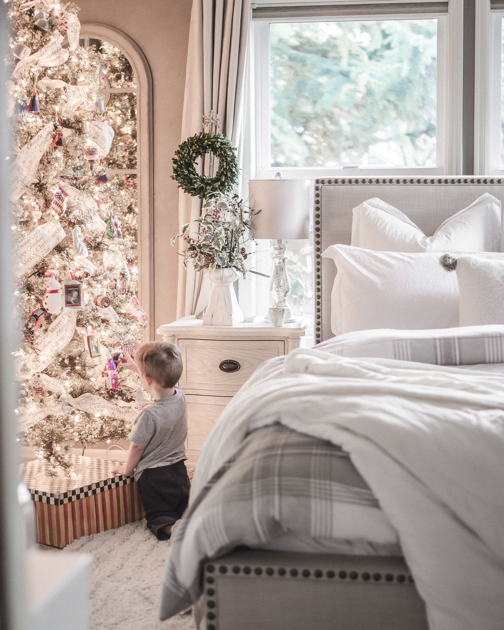 Holiday Home Tour: Christmas Decor Ideas