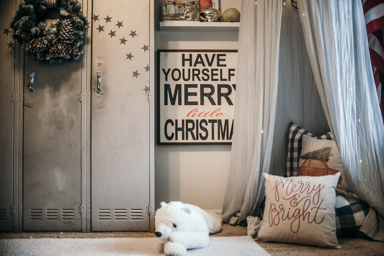 Christmas Decor Ideas - House of Five - Boys Room