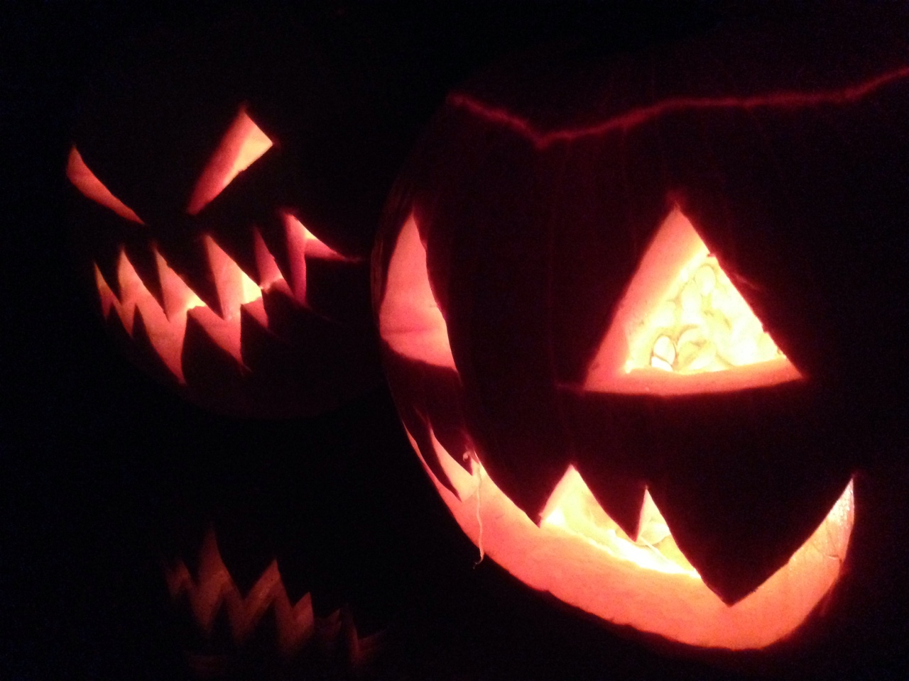 One of my daughters and I carved pumpkins (guess which one is hers). Happy Halloween and will close out the month with a few links:   More LA tech funding fun… http://www.builtinla.com/blog/q3-2014-was-la-techs-biggest-funding-quarter-ever-heres-breakdown    Is it great content or the growth hacking, data, and analytics combo that's winning in digital publishing?… https://gigaom.com/2014/10/28/buzzfeed-expands-its-data-team-by-acquiring-company-run-by-the-co-founder-and-former-cto-of-bitly/    Like to see when the switch is found that turns on the hockey stick… http://recode.net/2014/10/29/younow-is-the-live-video-amateur-hour-that-nearly-died-now-its-booming-heres-how/    FB threat to publishers… http://digiday.com/publishers/publishers-creating-social-content-risk/    FB wins against publishers… http://digiday.com/publishers/ivillage/