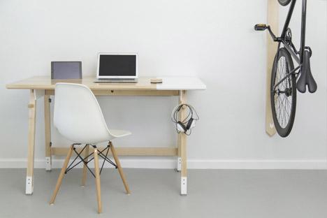 Artifox's Desk 01