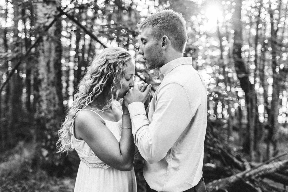 Northern Michigan Engagement Photographer - Lauren and Brent 011.jpg