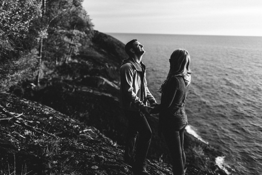 Marquette-Michigan-Wedding-Engagement-Fine-Art-Adventure-Photographer-Melissa-Shane-19.jpg