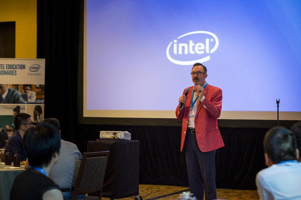 Intel Visionary 2016-040.jpg