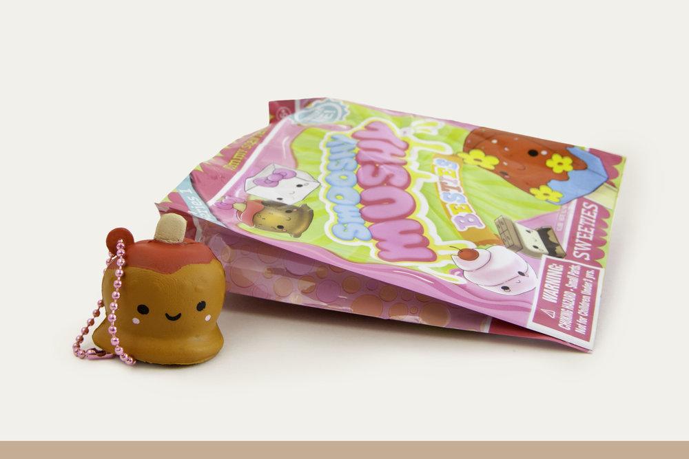Besties_CandyApple_OutofPackage_branded.jpg