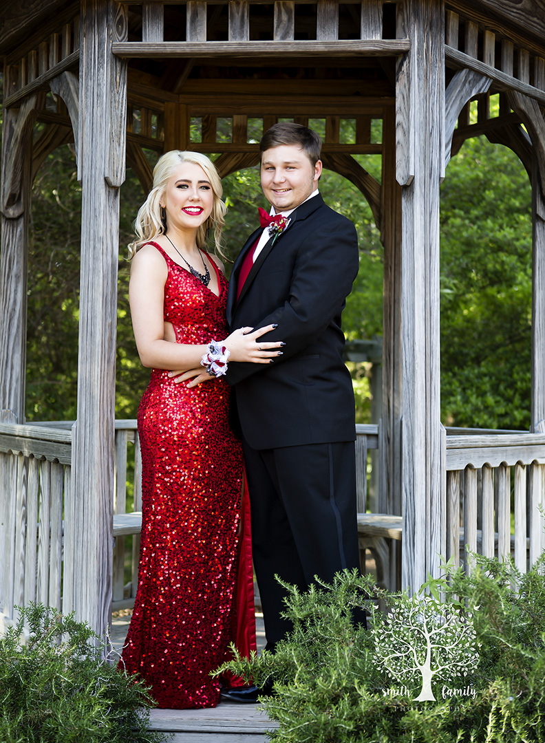 jennifer_and_kolby_riesel_prom_smith_family_photography