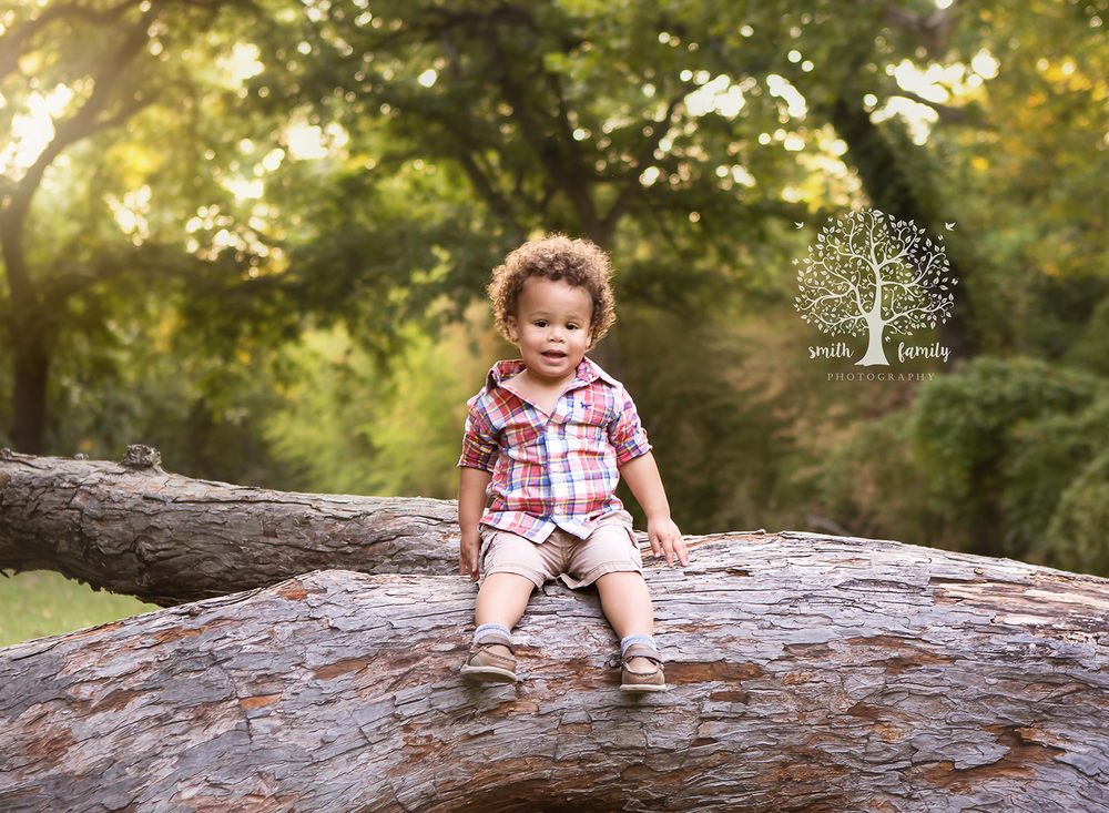 """Anna was excellent with my rowdy 20 month old! He Would run and climb and she would patiently wait for a shot. When it came time for mine and daddy's pictures, her husband walked around with my son until we were done."" - Katie M."