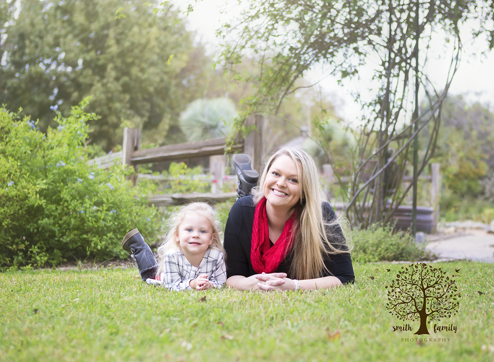 2016 - Family Session. This session was so sweet! Like momma, like daughter…absolutely stunning!