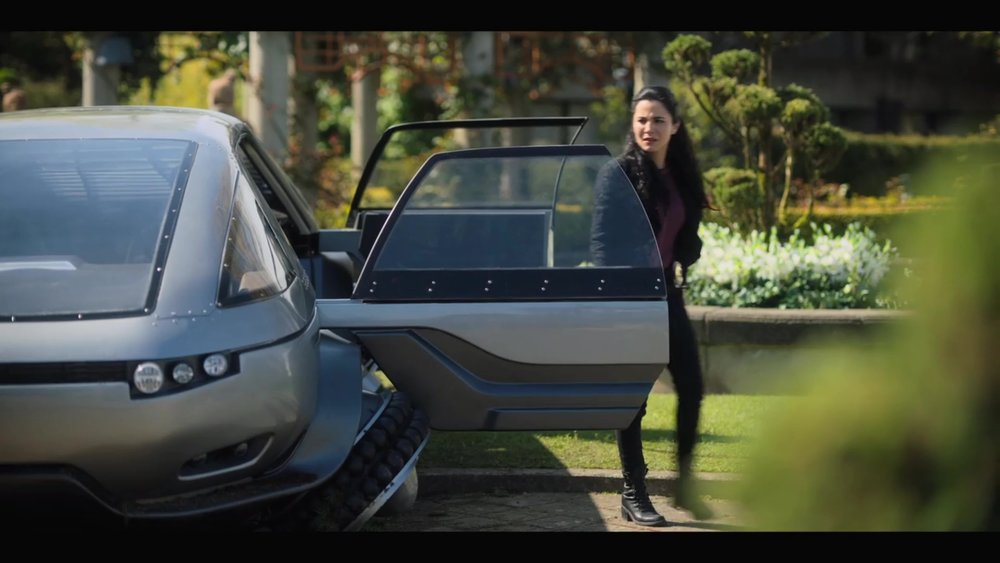 ALTERED CARBON LIMO framegrab5