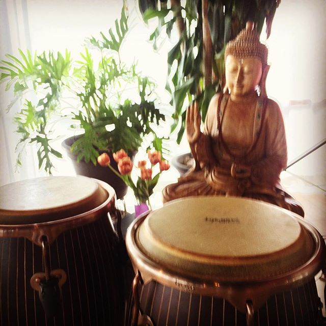 A blessing of the drums #yogaofdrumming #studioniasantafe #transcendentalrhythm #tycoonsounds #tycoonpercussion