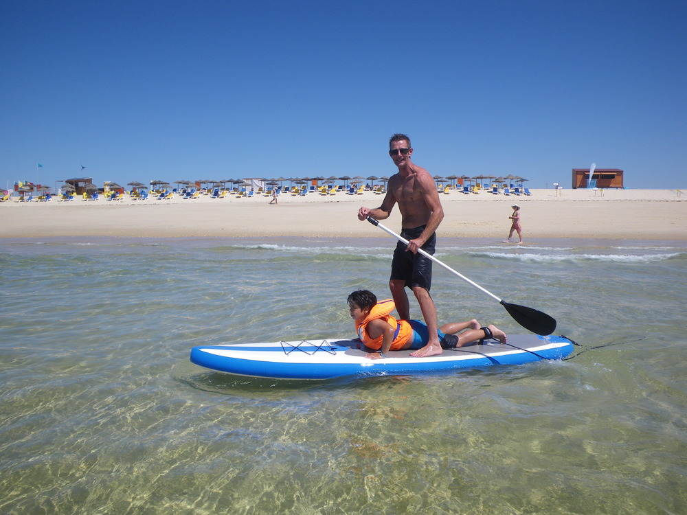 CSI Govenor Guy Smalley and Guilherme enjoing a SUP session at Fuzeta beach