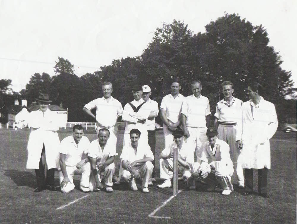 Cricket team at Inkpen.jpg
