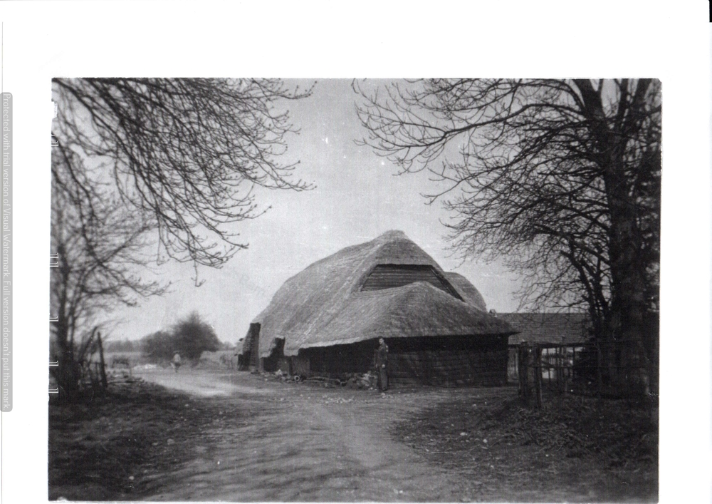Thatch Barn at Battens Farm, Lambourn Woodlands