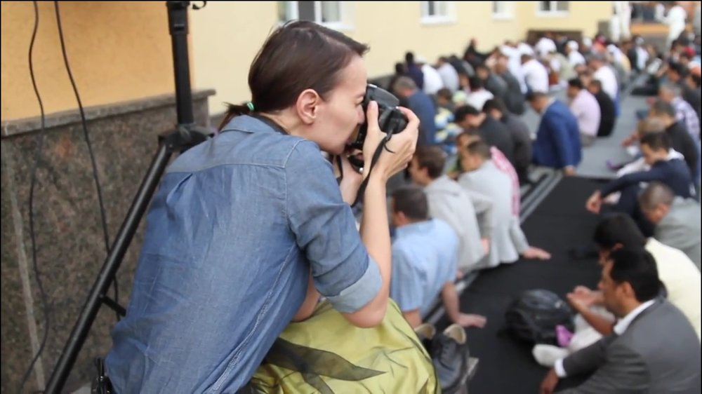 онлайн-видео    Праздник мусульман глазами христиан   Автор: Татьяна Сучкова / Продюсер: Елена Немиш / Страна: Украина