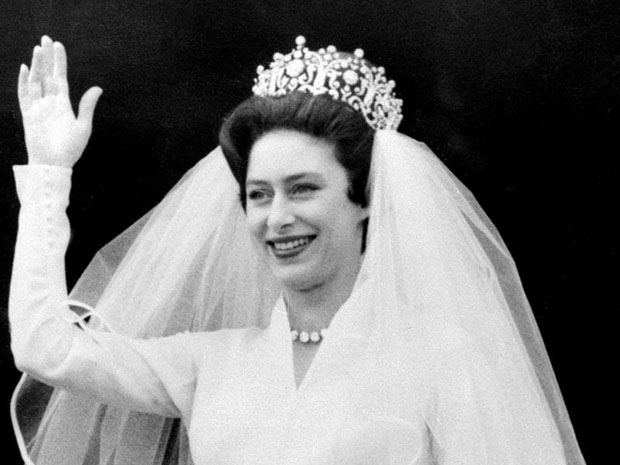 queen elizabeth ii young, waving, wedding