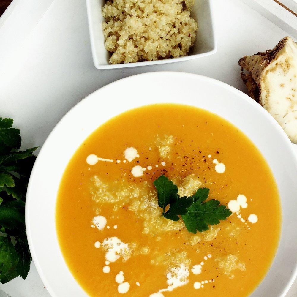 QimiQ Karotten-Sellerie Suppe mit Quinoa