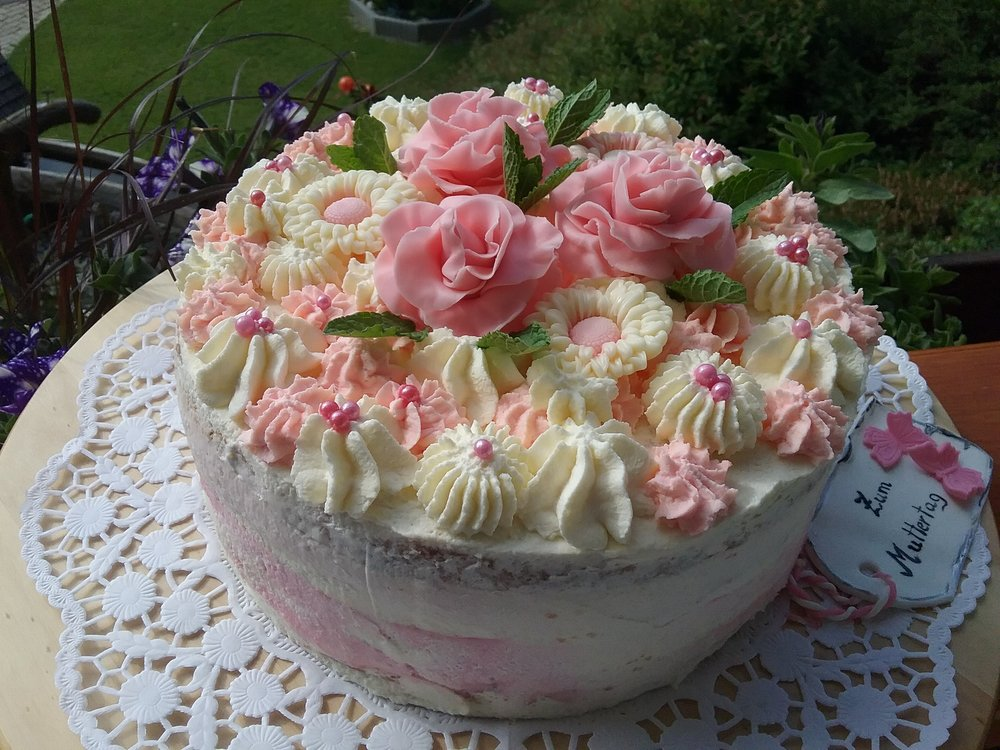 Erdbeer-Mascarpone-Torte.jpg