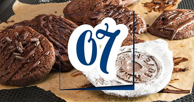 Our Advent Calendar is running on Facebook. Have a look, we're giving away awesome presents every day! Or just try our luscious Chocolate Cookies! . . . #prizes #giveaway #adventcalendar #facebook #presents #QimiQadventcalendar #treatyoself #chocolatecookies #cookies #mewantscookies #rezeptdestages #recipeoftheday #devourpower #foodie #foodlover #vscofood #christmas #xmas18 #christmascookies