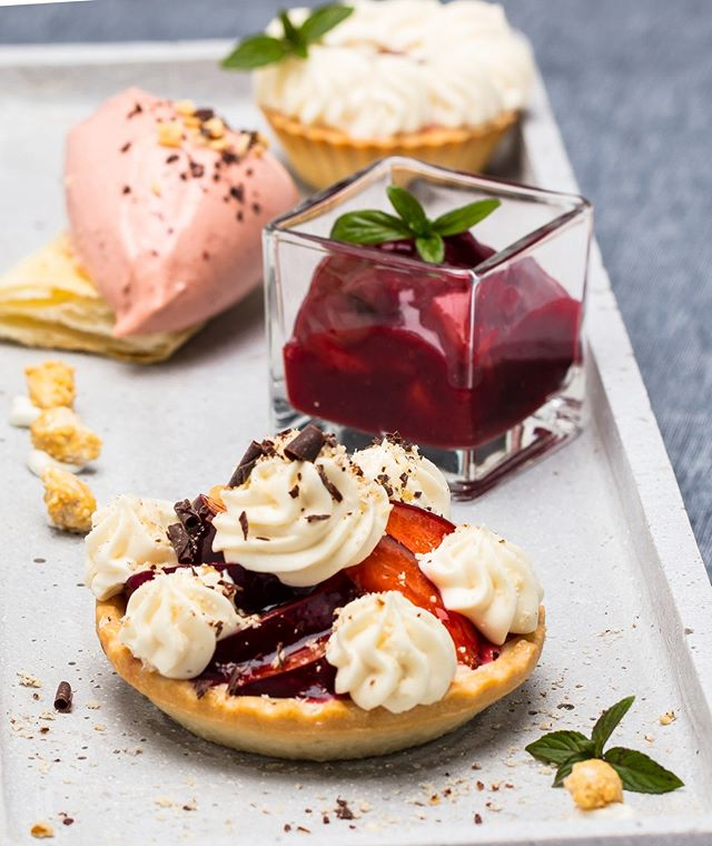 Plum trifecta! We dedicated this dessert to one of our favourite fruits: the plum. We have a crunchy tartlet, tangy compote and a creamy ice cream. 😍 This is what you need on a sunday! . . . #christmas #xmas #thebakefeed #feastordie #instafood #foodlover #williamssonoma #f52grams #rezeptdestages #recipeoftheday #treatyoself #lifeandthyme #vscofood #rezeptebuchcom #hungrygrls #foodblogliebe #nomnom #instayum #cheatdayeats #devourpower #foodie #xmas18 #plum #plumtartlet #plumicecream #zwetschgenkompott #feedfeed @williamssonoma @rezeptebuchcom @food52 @thebakefeed @thefeedfeed @ich.liebe.foodblogs @foodblogliebe