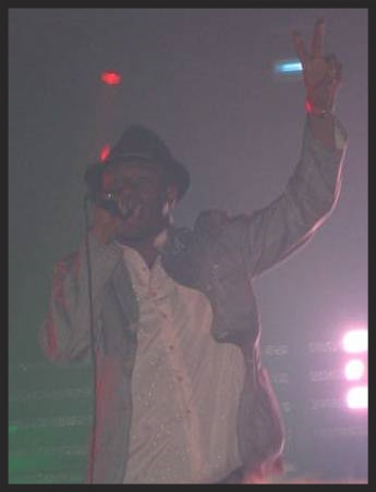 Mos Def performing I Against I live on stage at Brixton Academy on 9th July 2004 with Massive Attack. This was the only show it has been performed at.
