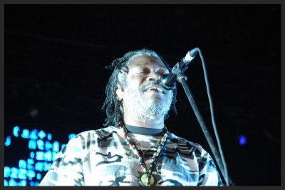 Horace Andy perfoming Everywhen during  the 100th Window tour .