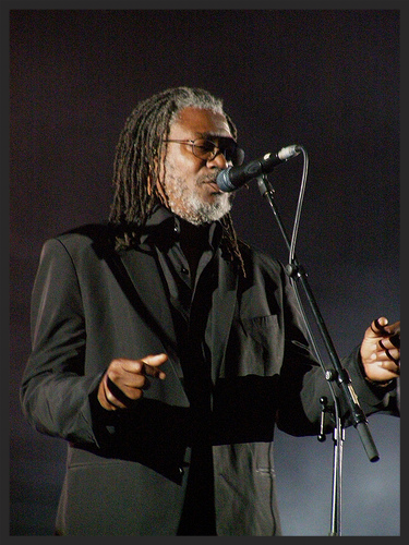 Horace Andy performing Angel from the 2008 tour.