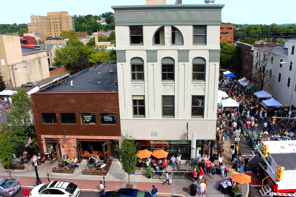 The second annual 3rd & Ferry Clam Jam Clambake Street Festival will be held Sunday, Aug. 30, in Downtown Easton. (Courtesy Photo)