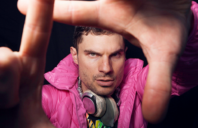 Deejay-comedian Flula Borg will perform Oct. 6 in Bethlehem. (Courtesy Photo)