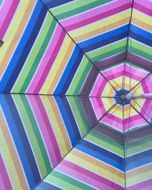 I ❤️💛💚💙💜💖 my 🌈 umbrella! 😍 | Thank you @hinesightproductions for including us at your poolside wellness event! We had a blast!!! | #teebsiepops #teebsiesweets 🍭🌈💜