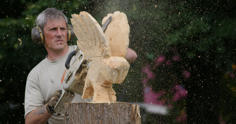 Les langley chainsaw carver
