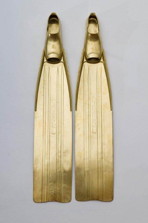 Nessuntempo, ceramica smaltata oro, 2012.jpg