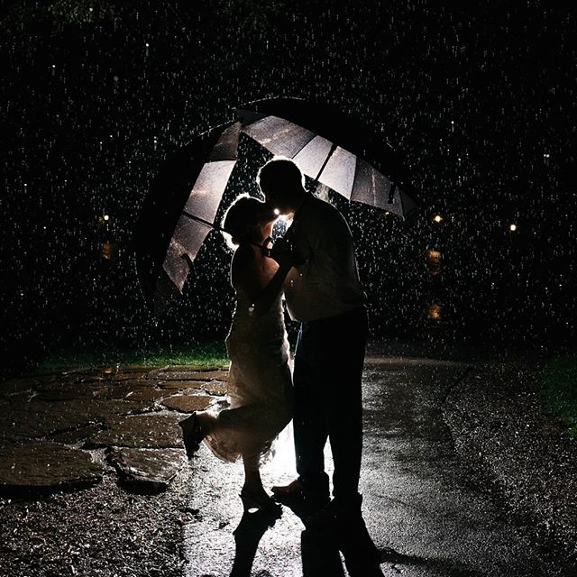 Rain on your wedding day is good luck right? 😍☔🌧️