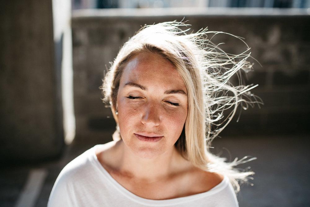 Amanda-Batty-Portrait-Trevor-Hooper-Photo_SML_06.jpg