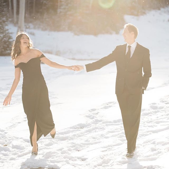A fresh blanket of snow was the perfect backdrop for Ridley and Carol-Anne's engagement session! I can't wait for the wedding this weekend!! 🕺💃📸