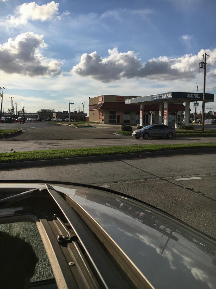 Marrero, LA • Urgent Care & Gas Station.