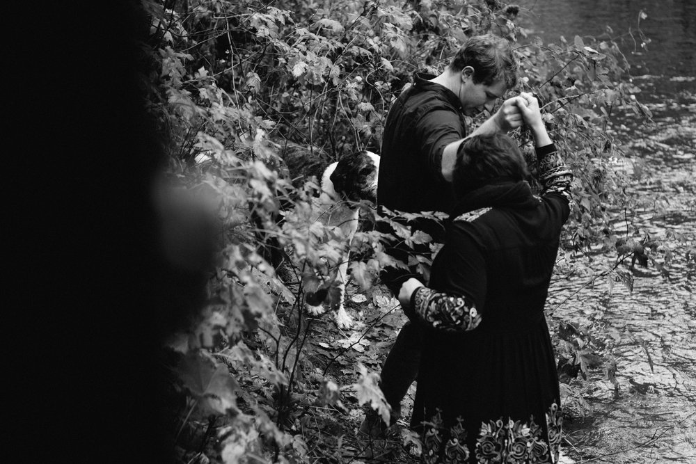 Columbia River Gorge Engagement Photography-16.jpg
