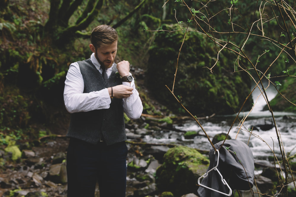 Columbia Gorge Elopement Photography-11.jpg