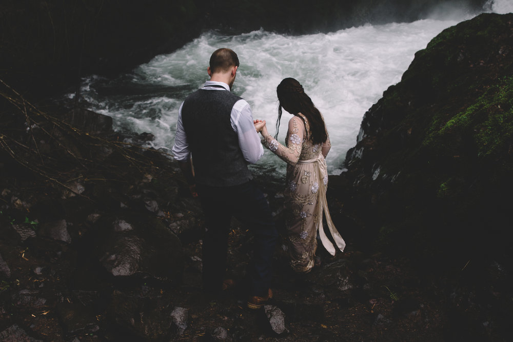 Columbia Gorge Elopement Photography-47.jpg