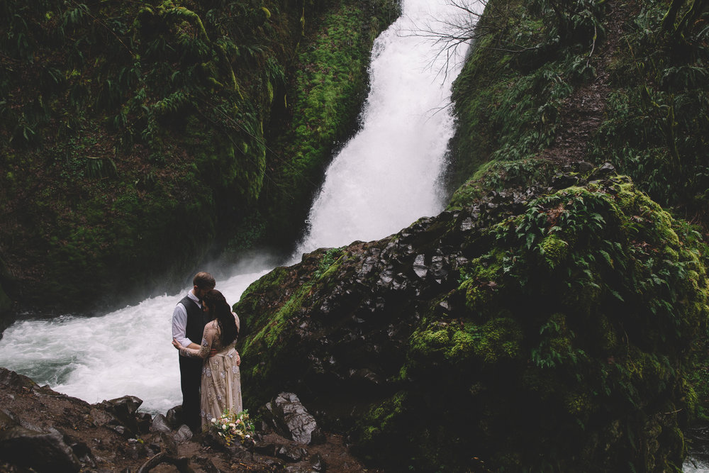 Columbia Gorge Elopement Photography-51.jpg