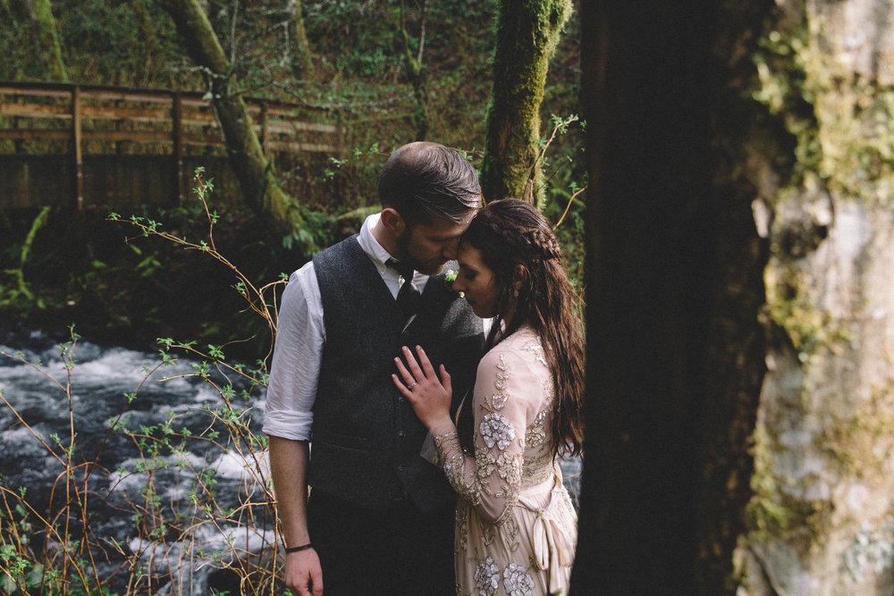 Columbia Gorge Elopement Photography-77.jpg