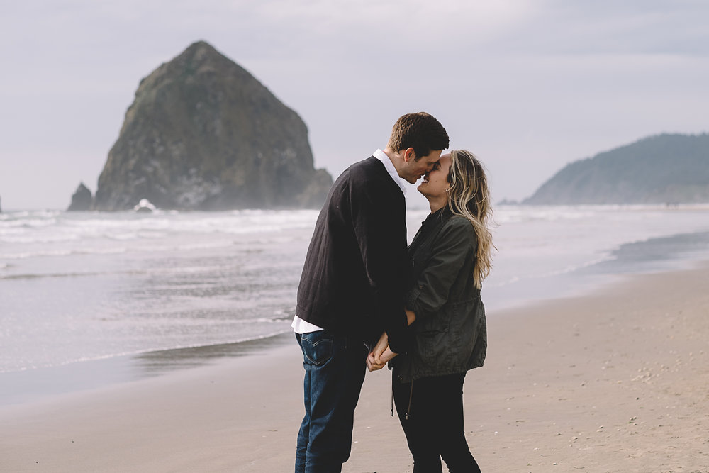Cannon Beach Engagement Photography-30.jpg
