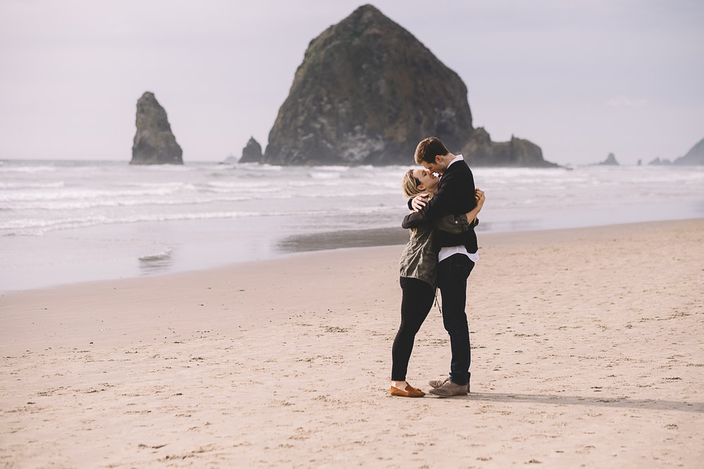 Cannon Beach Engagement Photography-41.jpg