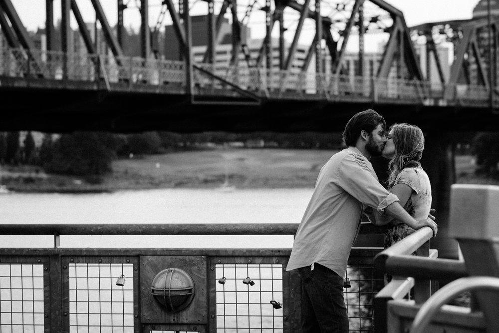 portland oregon engagement photography-42.jpg